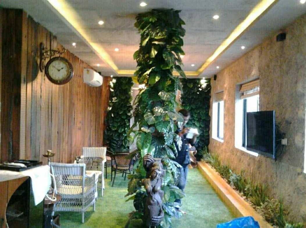Artificial Vertical Gardens